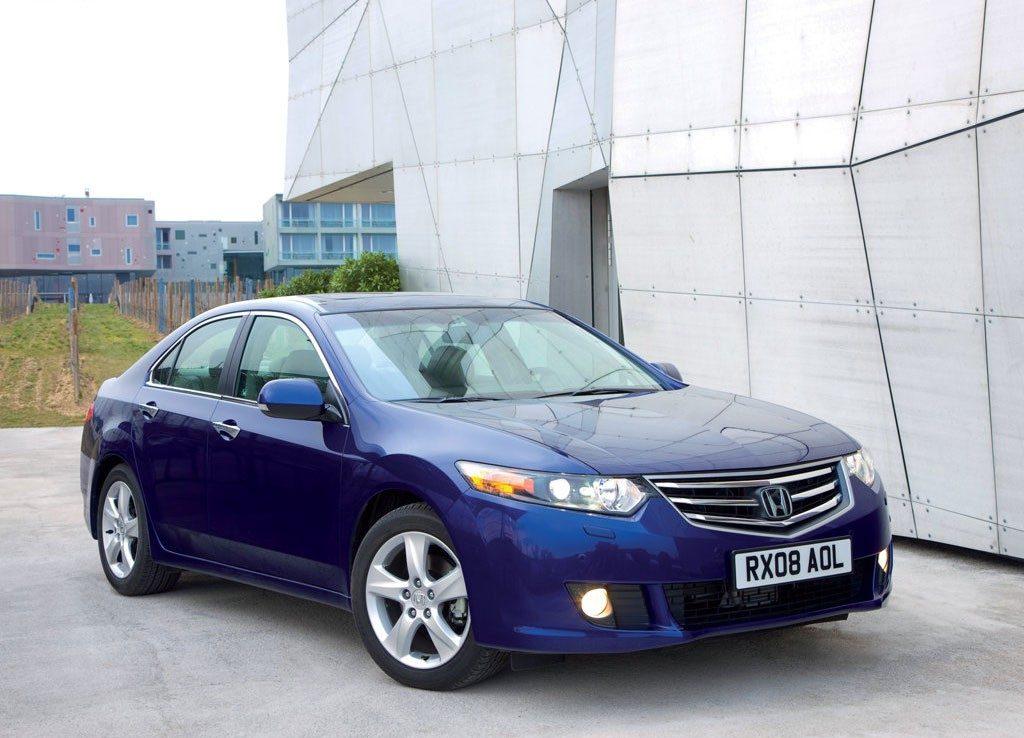 что лучше Toyota Camry или Honda Accord